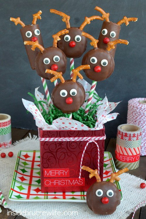 Pretzels and candy turn these store bought cakes into the cutest little Reindeer Snack Cakes.