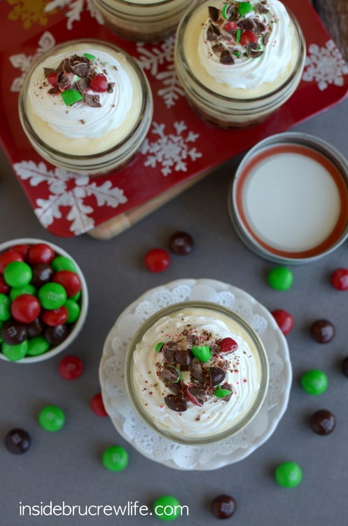 White Chocolate Gingerbread Pudding Cups - no bake gingerbread cheesecake and white chocolate pudding in jars