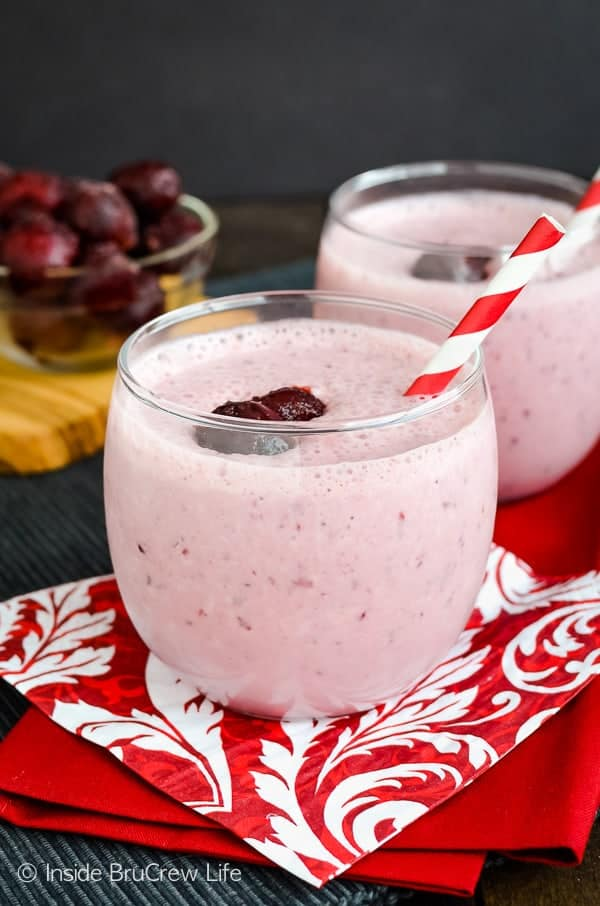 Skinny Cherry Banana Smoothie - adding yogurt and protein powder to this healthy smoothie keeps you full longer. Great recipe to make for breakfast or lunch! #healthy #smoothie #proteinshake #healthyeating