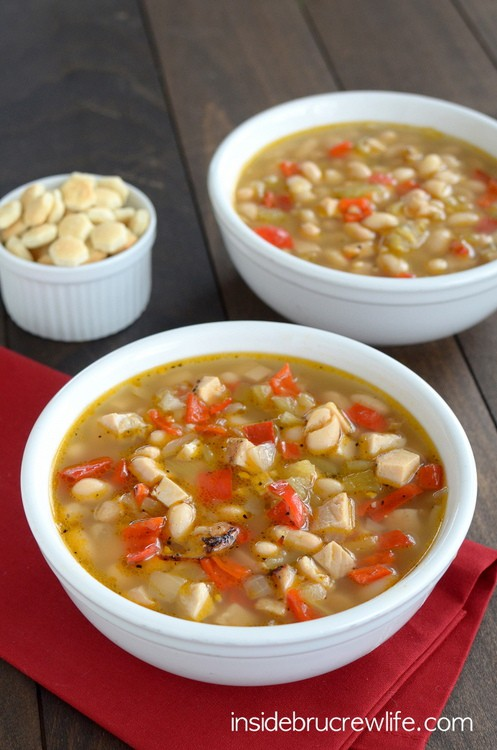 White Chicken Chili - this easy and spicy soup is a great meal to warm you up on a cold winter day