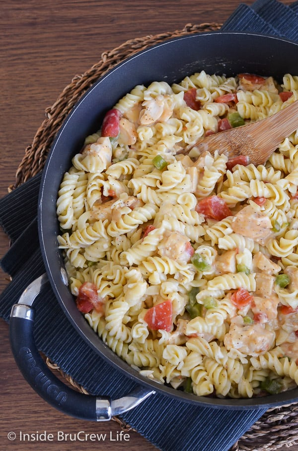 Chicken Supreme Pasta Bake - this easy chicken pasta bake is loaded with two times the cheese. It gets rave reviews every time. Make this recipe for dinner and see why! #pasta #chickencasserole #pastabake #pasta #cheesychickenpasta #comfortfood #chicken #recipe