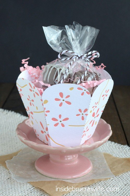 Oreo Coconut Cream Truffles basket