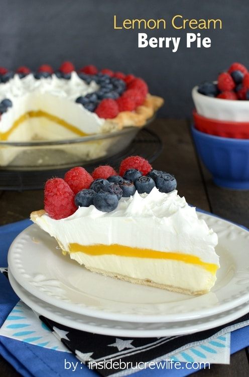 Lemon Cream Berry Pie - layers of no bake cheesecake, lemon pudding, and berries makes this a delicious and pretty summer pie