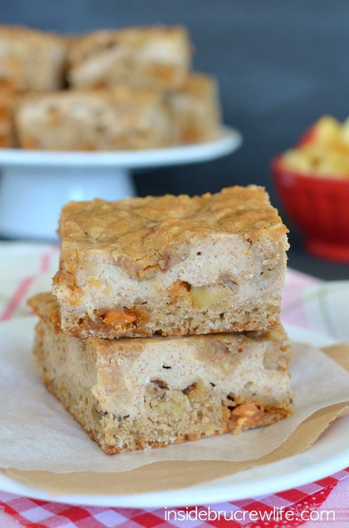 Butterscotch Apple Cheesecake Cookie Bars - layers of creamy cheesecake in between a butterscotch and apple cookie
