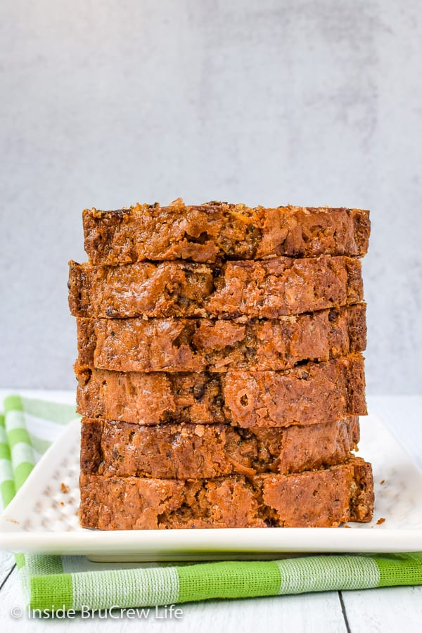 Best Chocolate Chip Zucchini Bread - this soft zucchini bread is a delicious way to enjoy your greens. Make this easy recipe and enjoy the loaded sweet bread with your coffee. #zucchini #sweetbread #breakfast #brunch #recipe