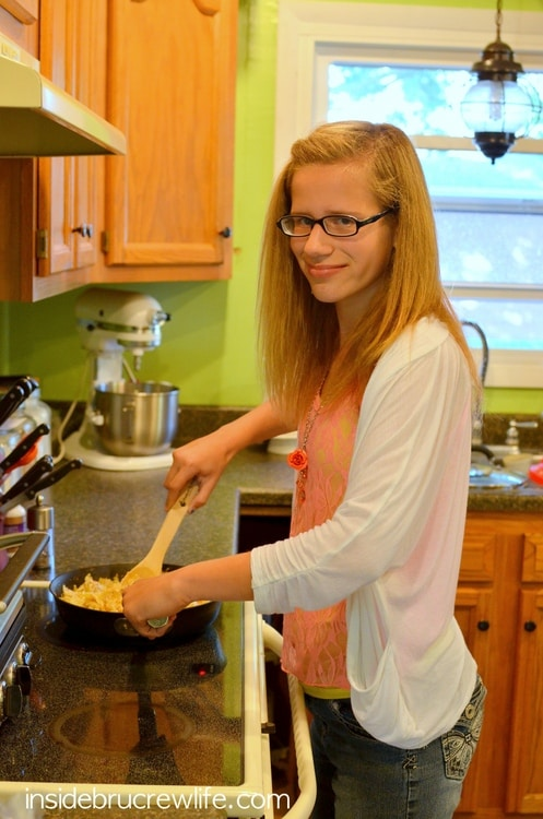 Kids helping make Bacon Shrimp Alfredo