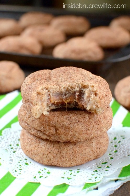 Cinnamon Caramel Cookies - easy soft cinnamon cookies with a surprise caramel center that everyone will love. Great cookie recipe!