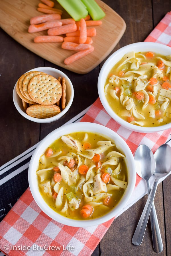 Easy Chicken Noodle Soup - enjoy a big pot of this easy chicken soup in under 30 minutes. It's a great recipe for cold days or days you do not feel good. #soup #chickennoodle #homemade #easydinner #30minutemeal #chickendinner #comfortfood