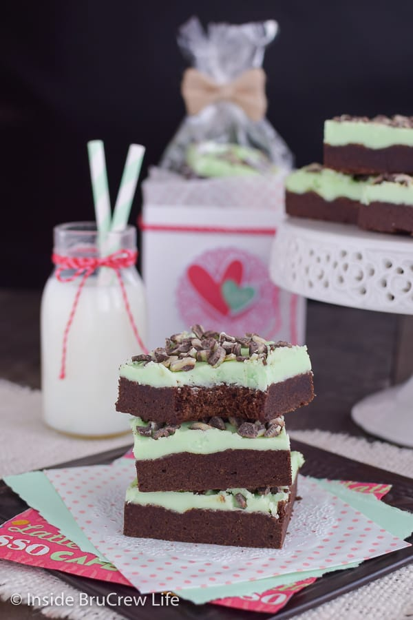 Chocolate Mint Sugar Cookie Bars - chocolate cookie bars topped with mint buttercream and mint chips makes an easy treat. Make this fun recipe for bake sales or dessert.