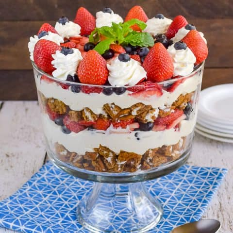 Oatmeal Creme Pie Berry Trifle