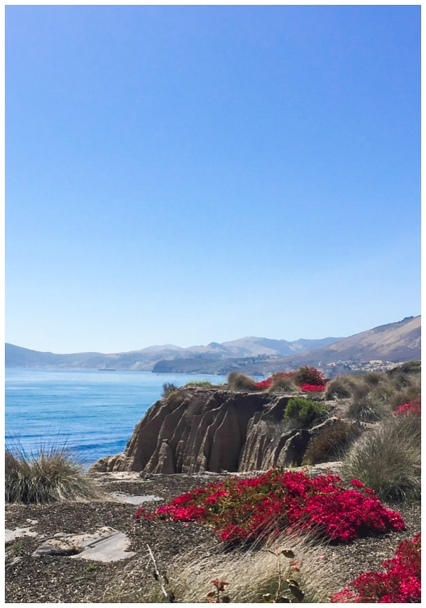 View of the bay and blue skies in Pismo Beach California