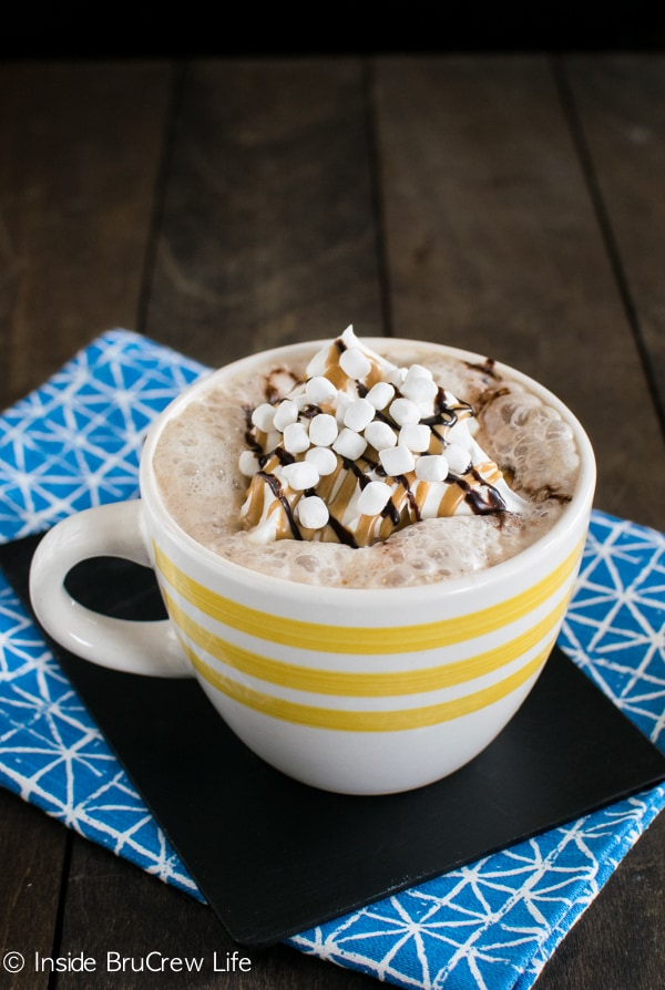 Coffee house lattes are so easy to make at home. Adding chocolate, peanut butter, and marshmallow makes this Rocky Road Latte a must!