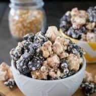 Butterfinger Cookies and Cream Popcorn