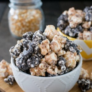 Butterfinger Cookies and Cream Popcorn