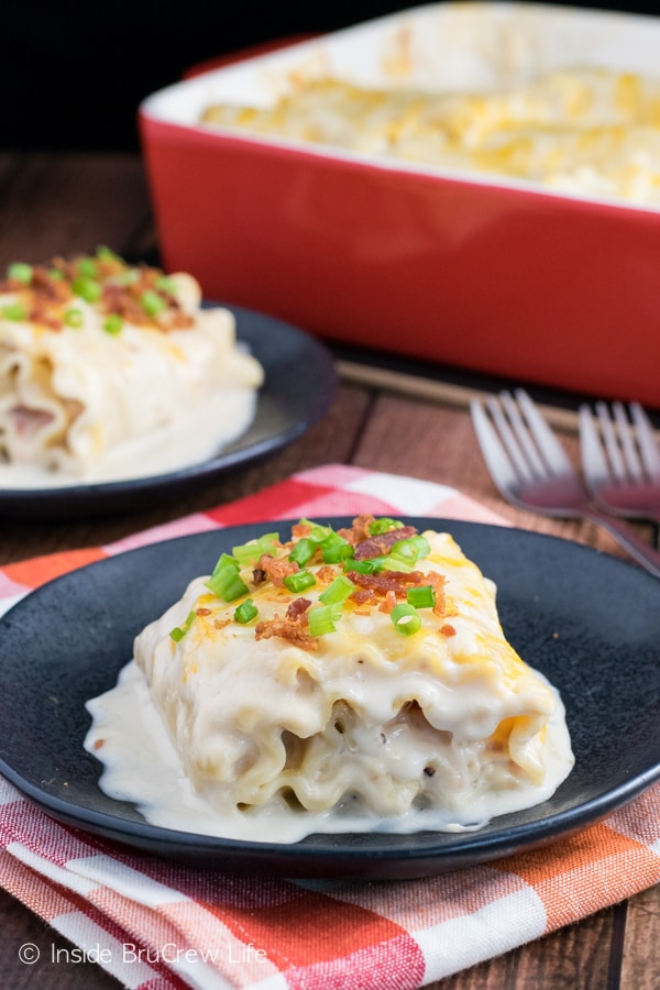 Filling these Alfredo lasagna rolls with chicken, bacon, and cheese will have everyone finishing dinner in a hurry!