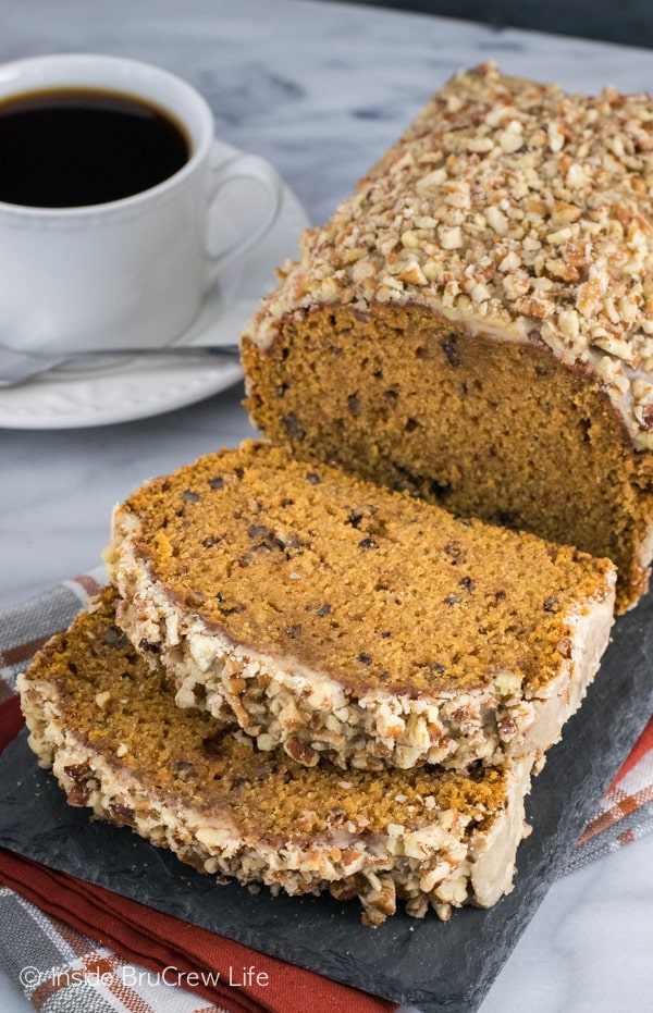 Pumpkin Pecan Bread - pecans and a praline glaze make this an amazing fall pumpkin bread. Make this easy recipe for breakfast this fall.