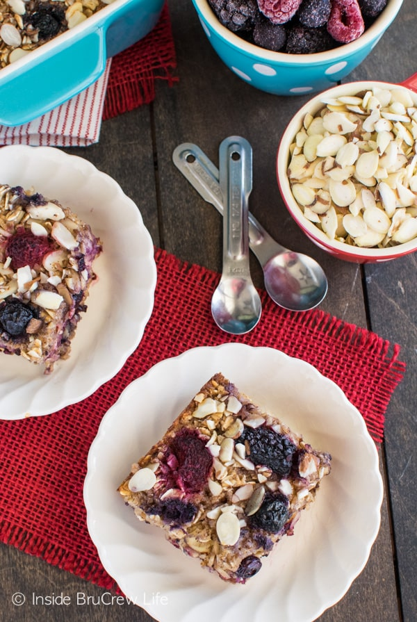 Almond Berry Baked Oatmeal recipe - a delicious baked oatmeal breakfast that is full of nuts and berries