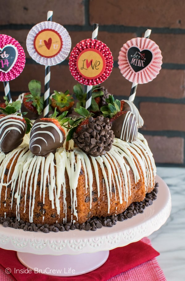 pictures of decorated bundt cakes