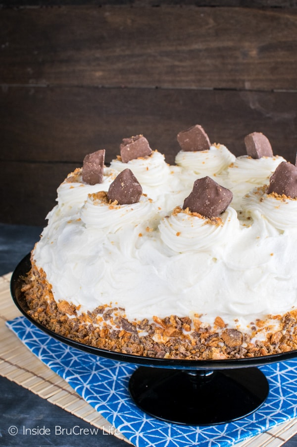Banana Butterfinger Bundt Cake - candy bars and cream cheese frosting add a fun twist to this easy cake recipe
