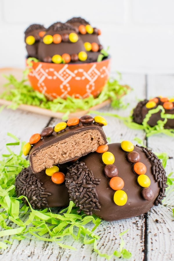 Reese's Cream Eggs - these fun peanut butter eggs are dipped in chocolate . Easy recipe to make for Easter baskets. #easter #peanutbuttereggs #Reeses #easterbasket