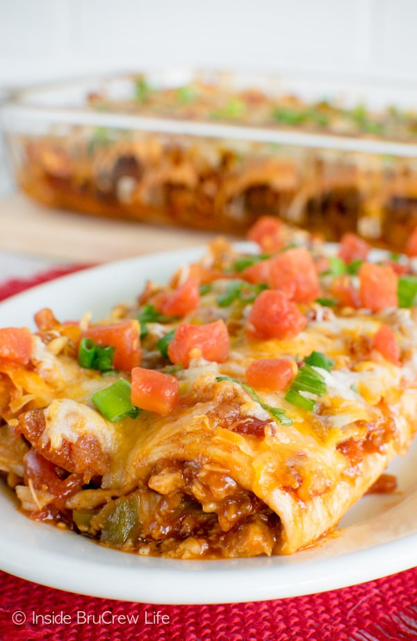 Monterey Chicken Enchiladas - barbecue chicken, bacon, and cheese gives these enchiladas a fun twist. Great dinner recipe!