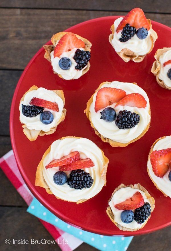 Lemon Mousse Dessert Cups - fresh berries & lemon cheesecake makes these a fun summer treat.