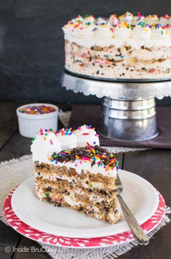 Funfetti Chocolate Chip Cookie Icebox Cake - this no bake cake has layers of cookies and sprinkle cheesecake. Awesome summer cake recipe!