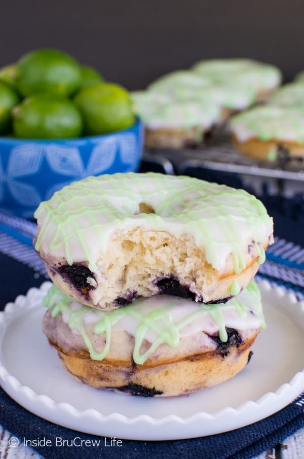 Blueberry Key Lime Donuts - these easy baked donuts are full of berries and fruit juice. Great summer breakfast recipe.