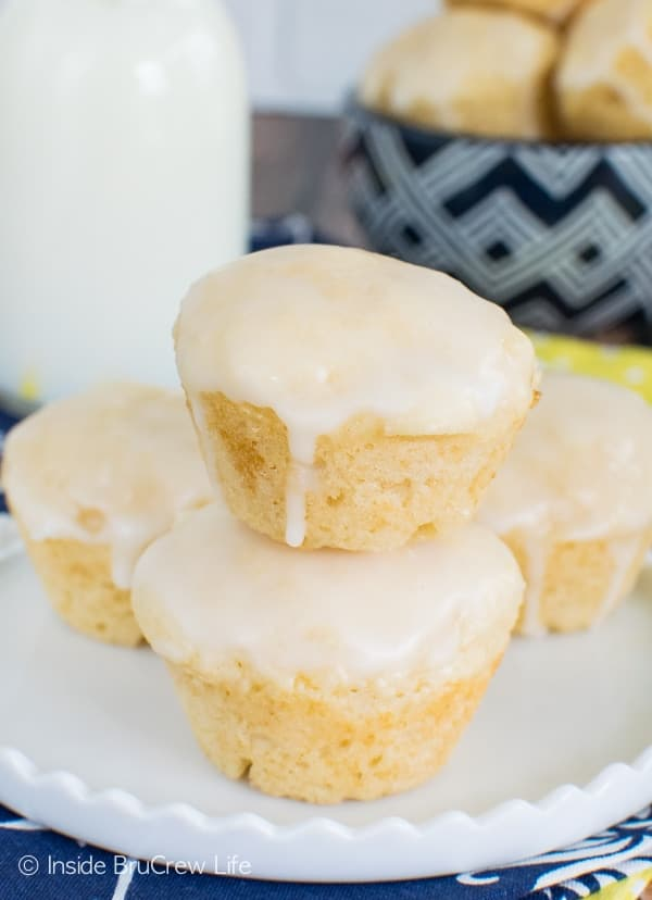 Mini Lemon Donut Muffins - three times the lemon makes these little treats a delicious way to start the day. Awesome breakfast recipe!
