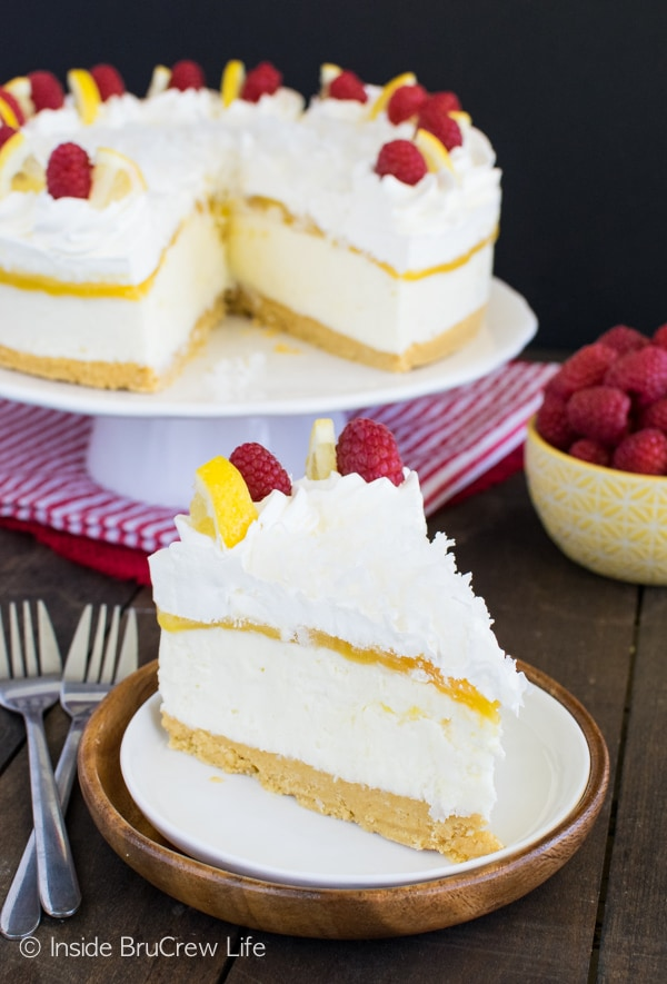 Creamy coconut cheesecake gets a fun twist from lemon curd and lemon cookies in this No Bake Lemon Macaroon Cheesecake recipe!