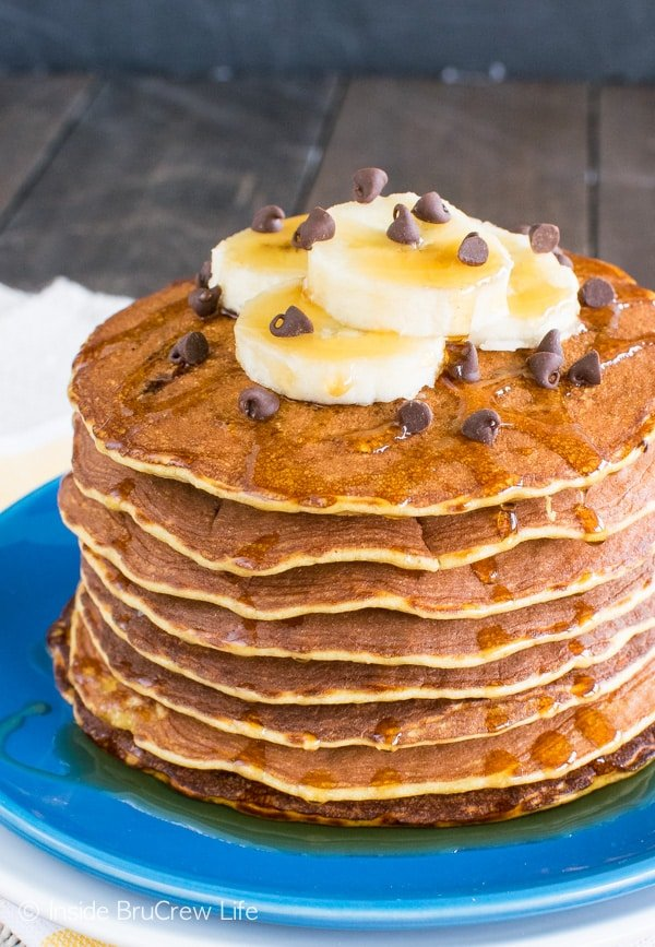 Bananas, eggs, & peanut butter powder make these Skinny Peanut Butter Banana Pancakes a great healthy breakfast recipe.