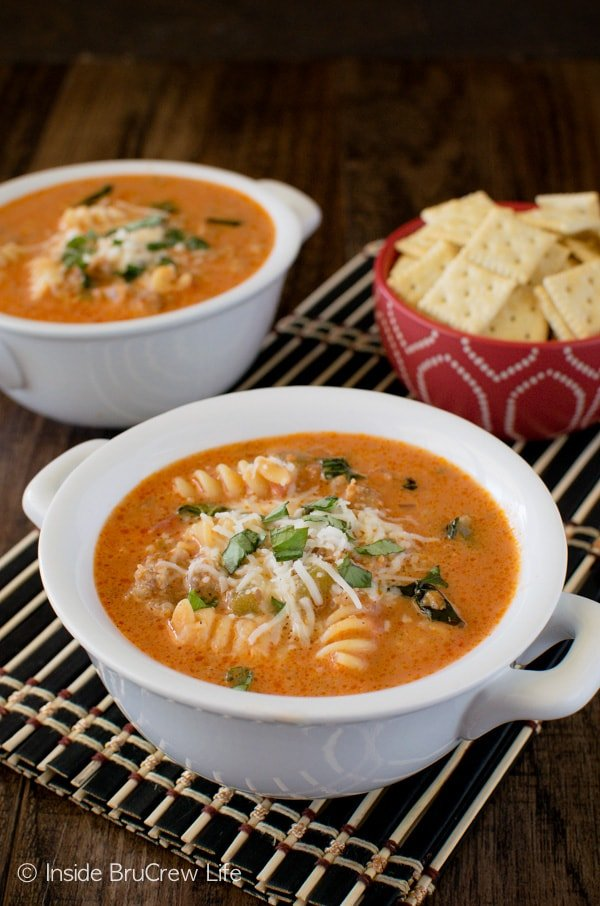 Creamy Italian Tomato Soup - this easy 30 minute meal is loaded with veggies, meat, and pasta. Great comfort food recipe for an easy dinner!