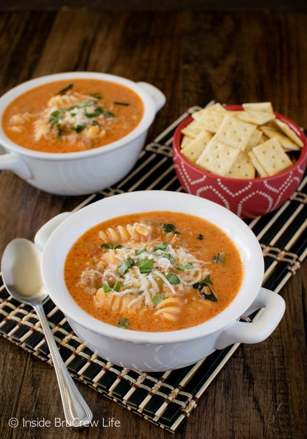 Creamy Italian Tomato Soup - this one pot meal is ready in just under 30 minutes. Great dinner recipe for busy nights!