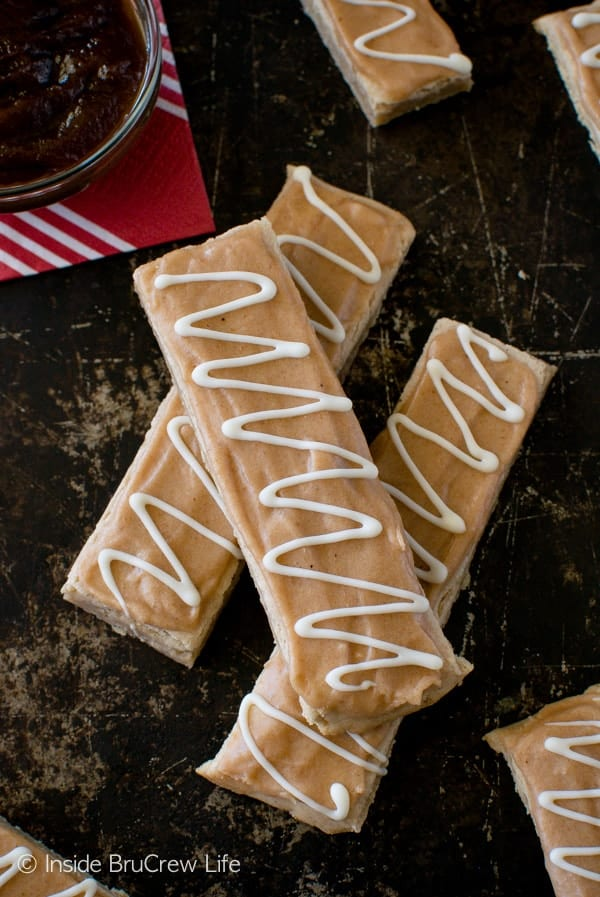 Glazed Apple Butter Shortbread Bars - two times the apple butter makes these fun cookie sticks taste so good. Great fall dessert recipe!
