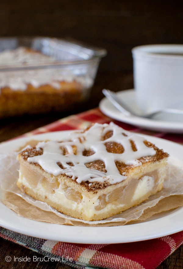 Chunks of apple pie filling in this Cinnamon Sugar Apple Cheesecake Danish make this a great breakfast or dessert recipe!