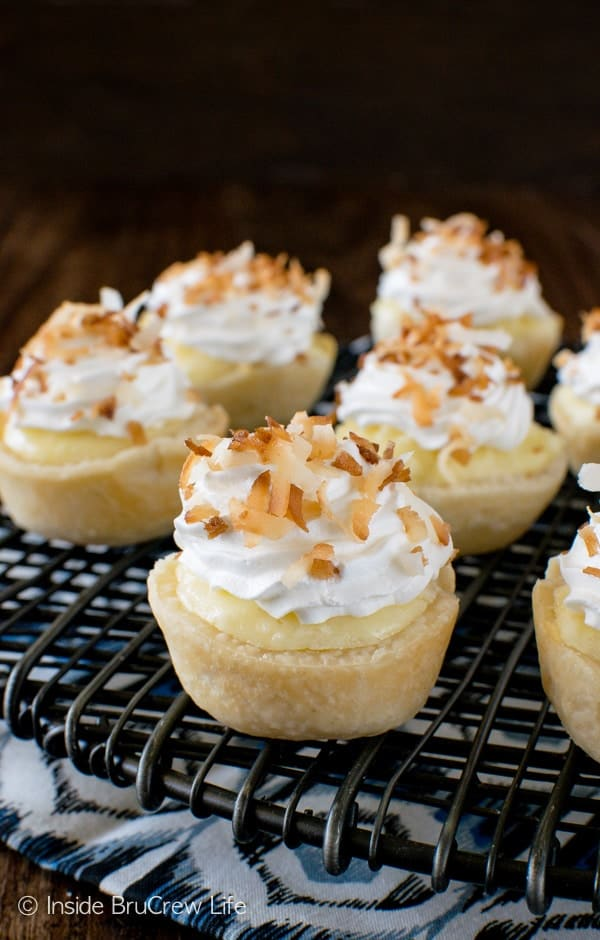 Coconut Cream Cheesecake Pie Bites - these little pie crusts are packed with coconut flavor. Perfect little pie recipe to enjoy for fall dinners.