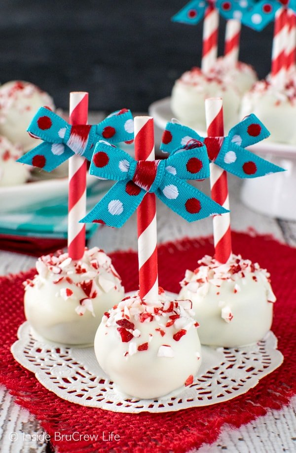 Peppermint Brownie Truffles - these easy 3 ingredients candies are a fun treat to add to cookie trays. Great recipe for holiday parties!