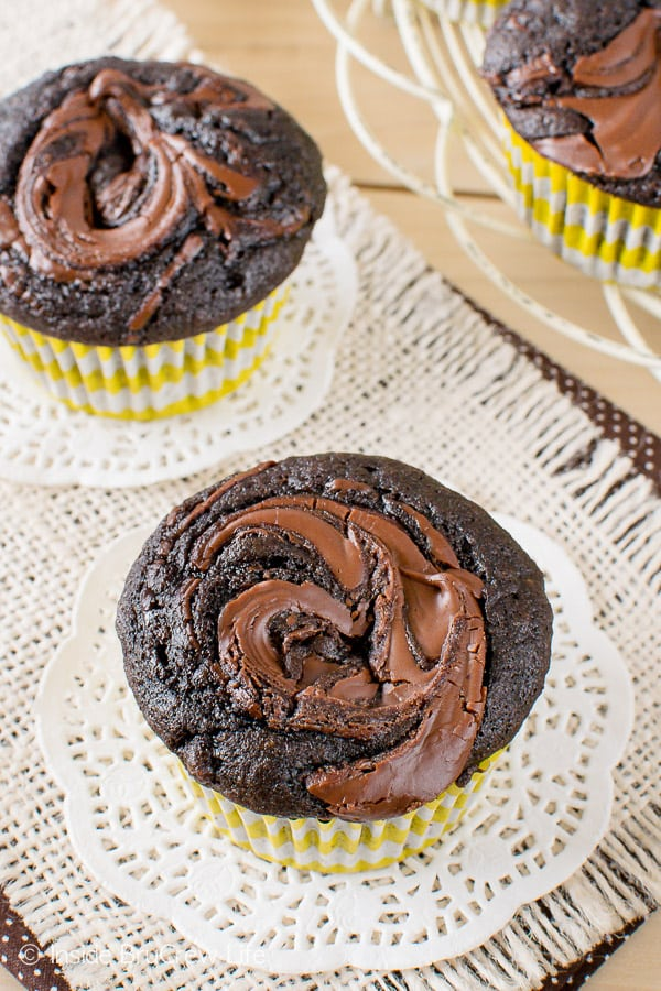 Chocolate Nutella Banana Muffins - sweet swirls of Nutella add a fun flair to this easy breakfast recipe!