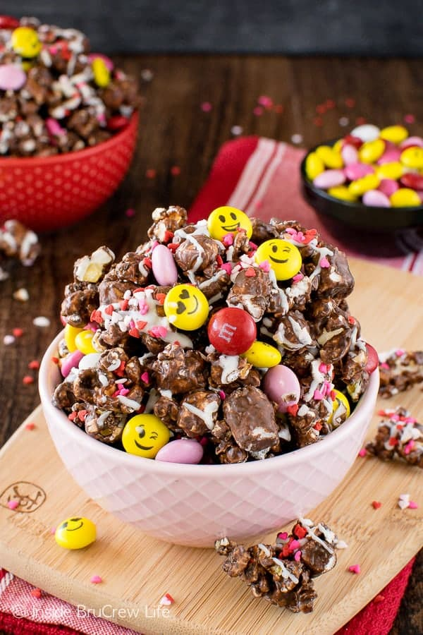 Dark Chocolate M&M's Popcorn - chocolate covered popcorn loaded with colorful sprinkles and candies makes the best snack mix recipe!
