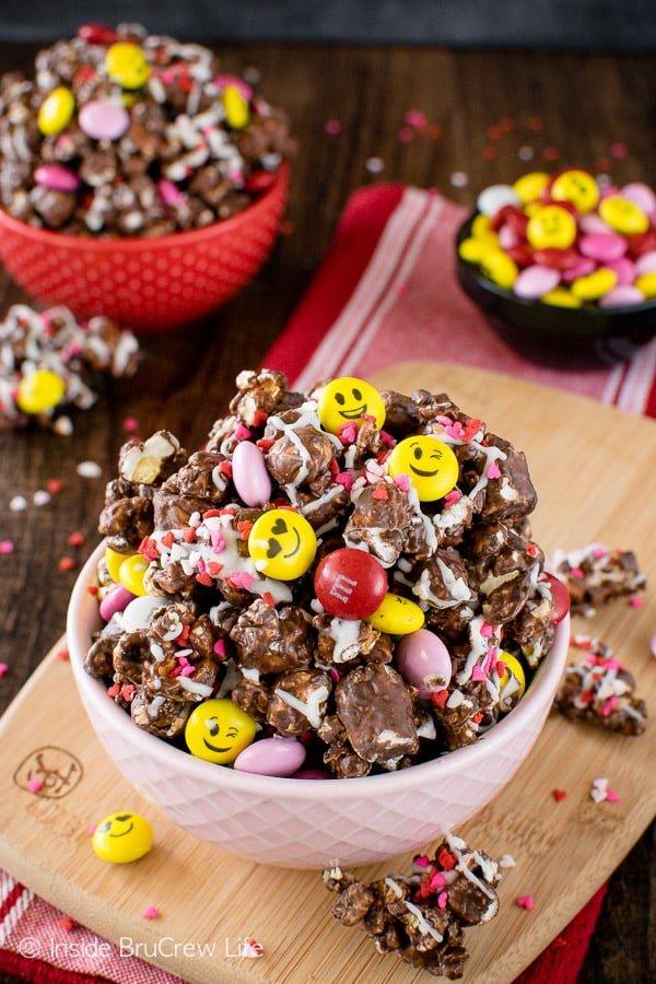 Dark Chocolate M&M's Popcorn - colorful candies and sprinkles add a fun flair this easy snack mix recipe!