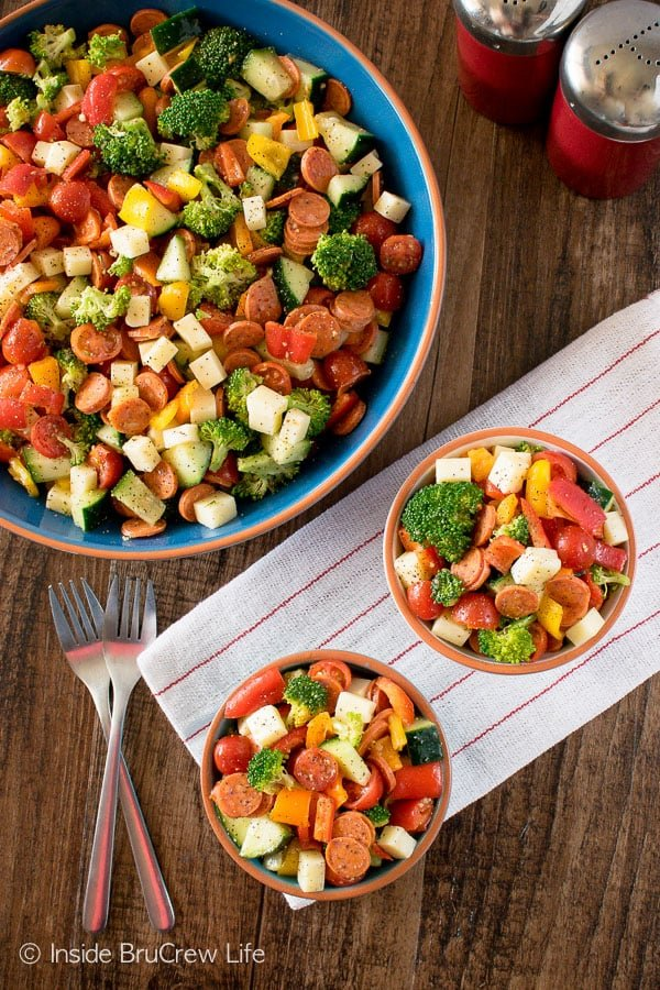 Italian Veggie Salad - lots of veggies, cheese, and pepperoni tossed in dressing makes an easy and healthy dinner recipe!