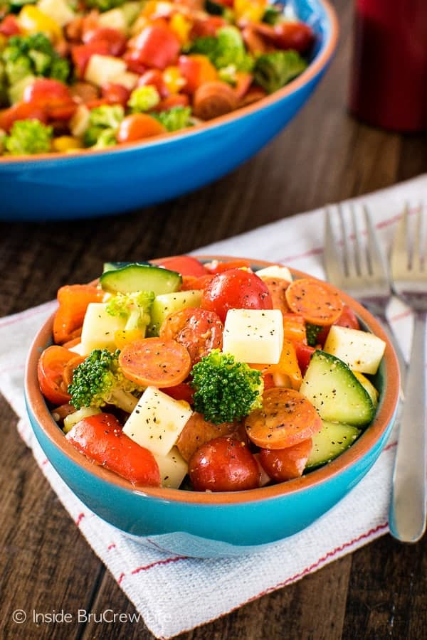 Italian Veggie Salad - this easy salad is loaded with your favorite veggies, pepperoni, & cheese. Great healthy recipe for staying on track!