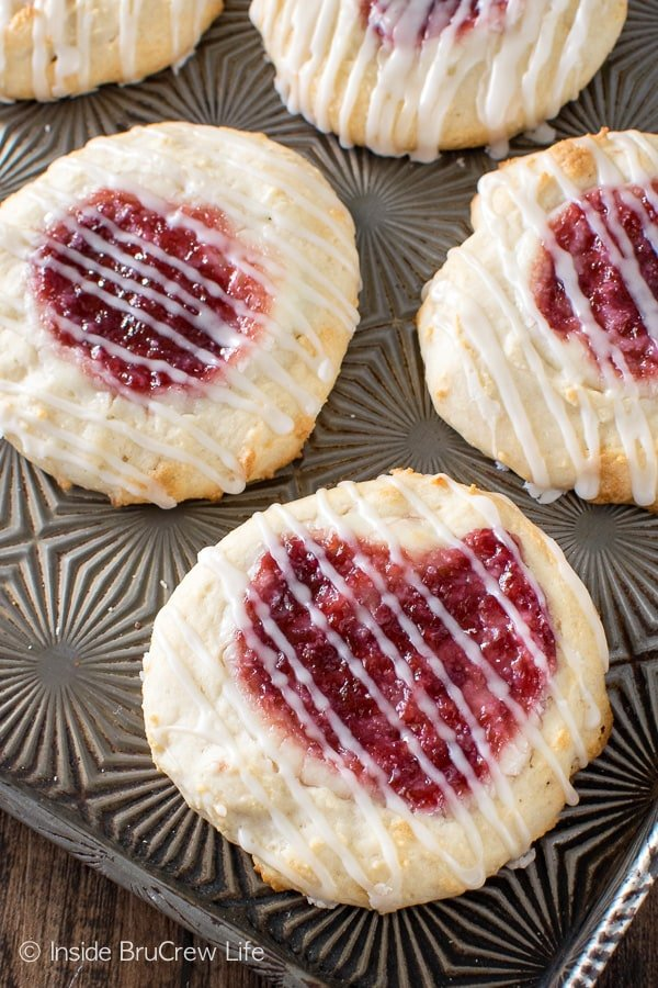 Raspberry Cheesecake Danish - a sweet cheesecake and jelly center makes this easy pastry recipe a great breakfast or after school snack.