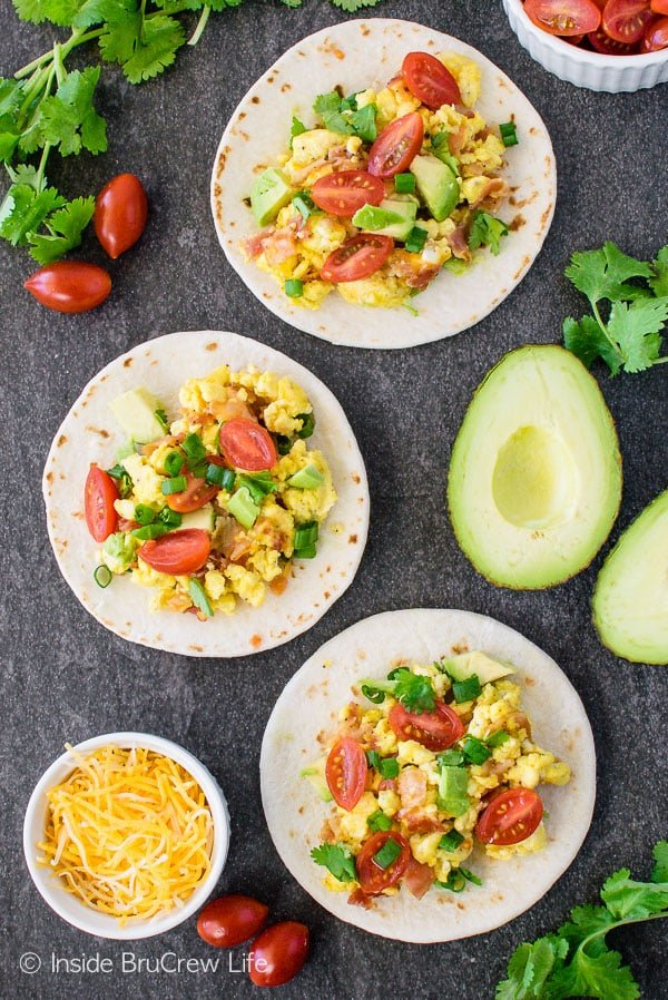 Bacon Egg Breakfast Tacos - loaded egg tacos are a delicious and healthy way to start the day! Great breakfast recipe!