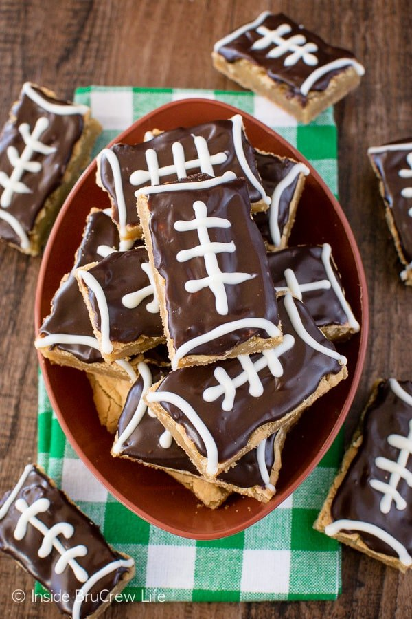 Football Cookie Bars - easy cookie bars decorated with chocolate to look like footballs. Easy dessert recipe for game days or sports parties!
