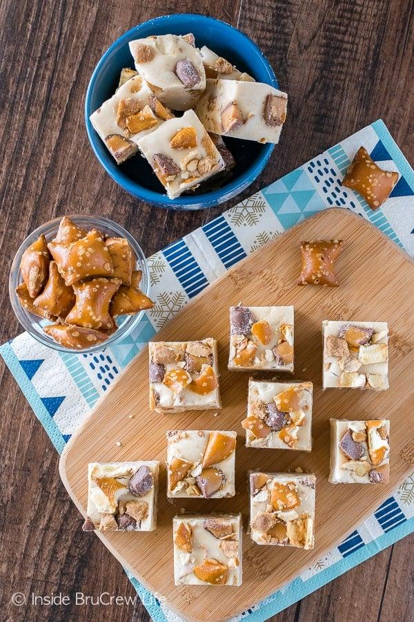 Caramel Peanut Butter Pretzel Fudge - candy bars and pretzels swirled in a creamy peanut butter fudge. Easy no bake dessert recipe!