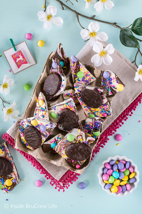 Peppermint Pattie Easter Bark - this easy no bake chocolate treat is loaded with candy and sprinkles. Easy dessert to make for Easter parties!