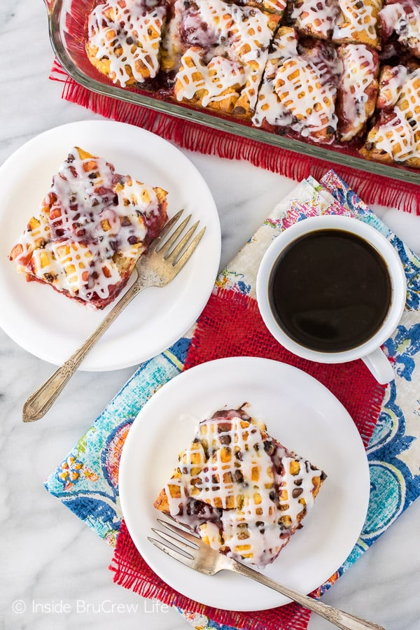 Strawberry Chocolate Cinnamon Roll Bake - pockets of strawberry pie filling in this soft cinnamon roll bake makes a delicious breakfast. Great recipe for busy mornings!
