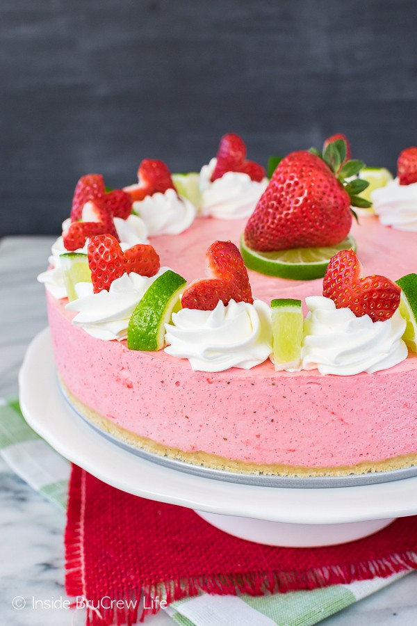 No Bake Strawberry Daiquiri Cheesecake - this easy no bake cheesecake is loaded with fresh berries and lime flavor! Great dessert recipe for summer!