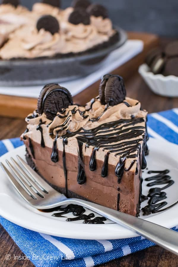 No Bake Chocolate Cream Pie - four layers of chocolate creamy goodness makes this no bake pie recipe the perfect summer dessert!